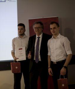 Jure Sreš in Domen Hohler zmagovalca zimske šole Blockchain