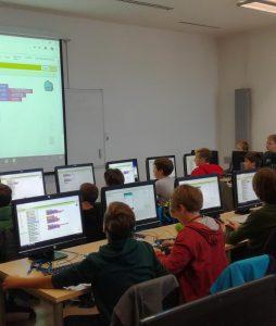 Razvoj mobilnih aplikacij za osnovnošolce